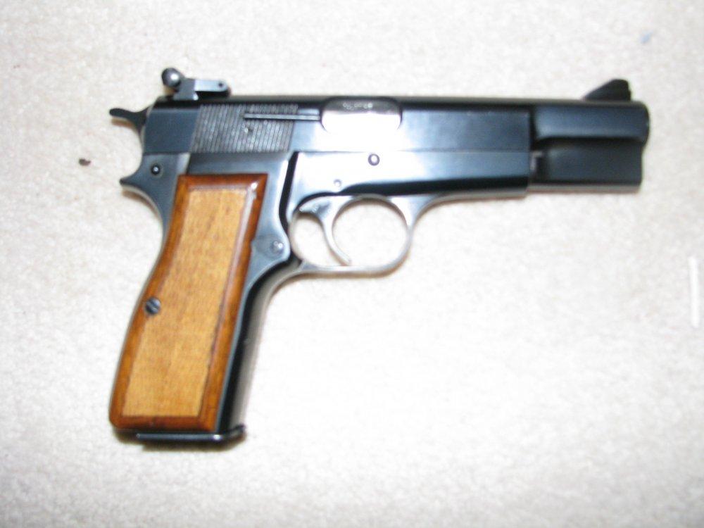 9 mm Browning Hi-Power  008 (2).JPG