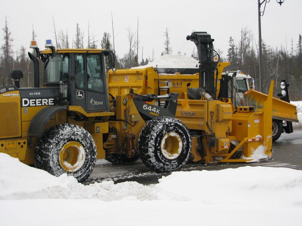 Snow Removal December 28, 2013 Folder 2 032 (2).JPG