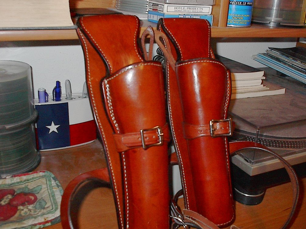 Alfonso's Of Hollywood Holsters 003.JPG