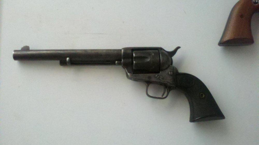 Colt3.thumb.jpg.3877cd2590b7196cdb7edfc1bb2d8332.jpg