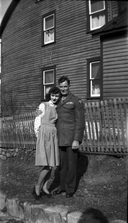 Mom and Dad 1945.jpg