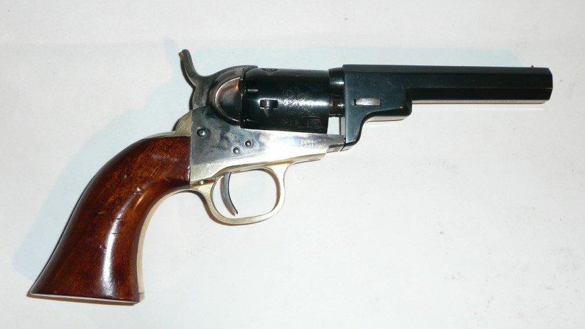 Colt 49-2.JPG