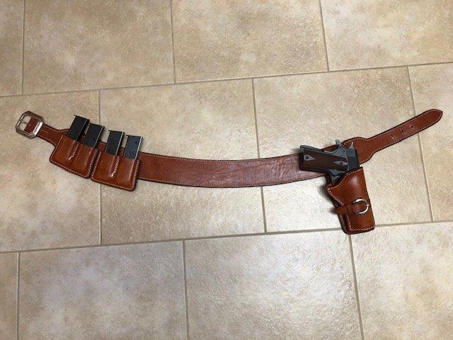 1911 gun leather IMG_1611.jpg