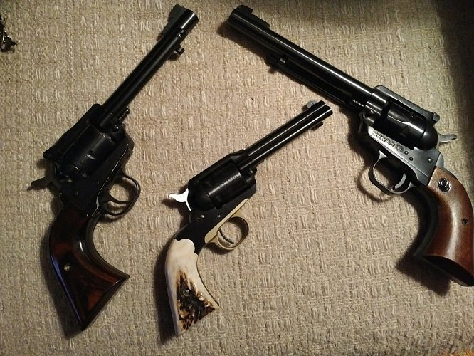 3 Ruger .22s - Single Six .22 Magnum - Old style Bearcat not modified - Single Six .22 not modified.jpg