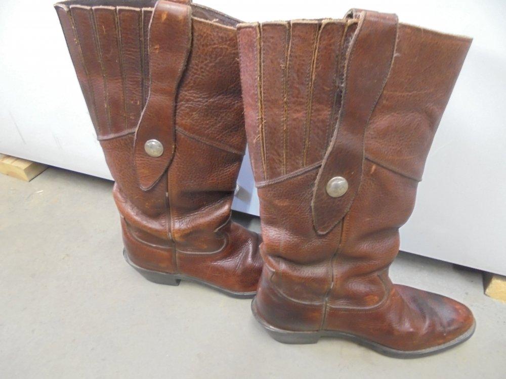 Mule Ear Boots.JPG