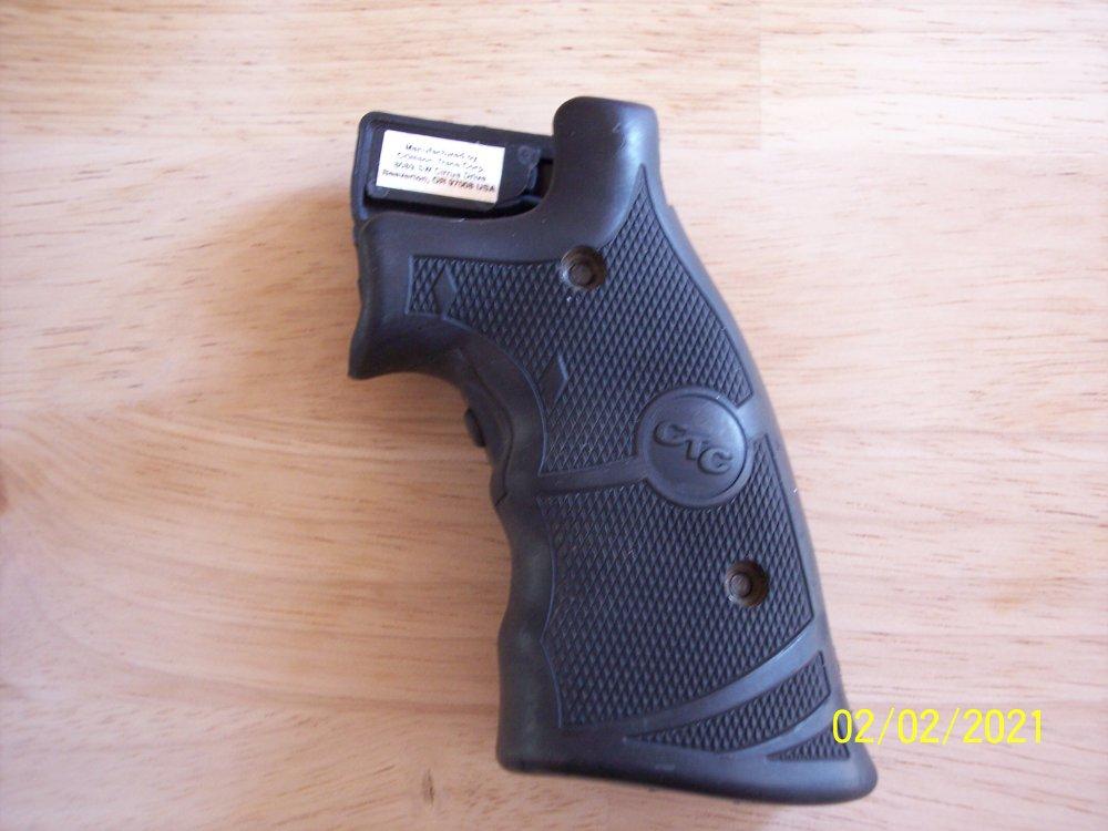 Grips & S&W 19 007.JPG