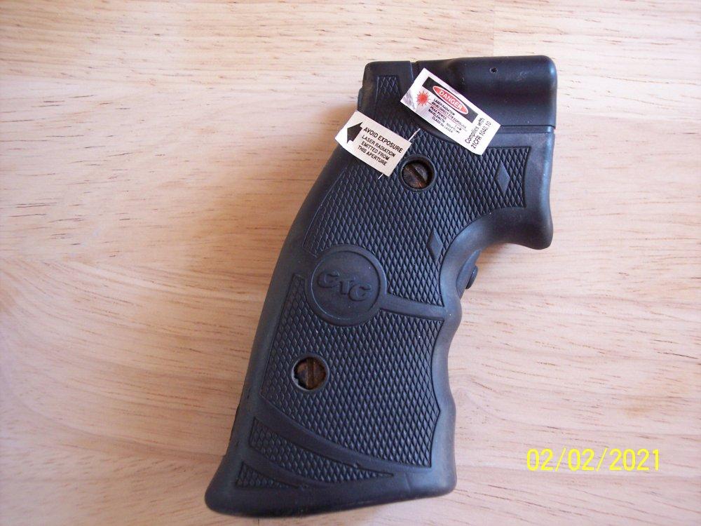 Grips & S&W 19 006.JPG
