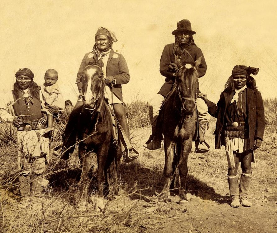 geronimo-warrior-apache-indian-native-american-peter-nowell.thumb.jpg.55c2f4f55187f36955b5a03381b48a25.jpg