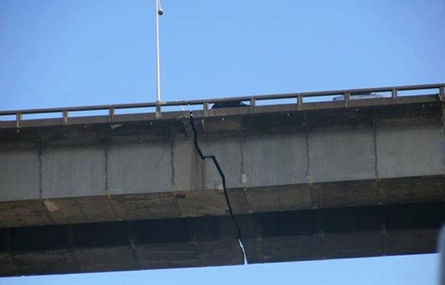 0715-champlain-bridge-crack.jpg.1456625a1a67f190b761a1e692535531.jpg