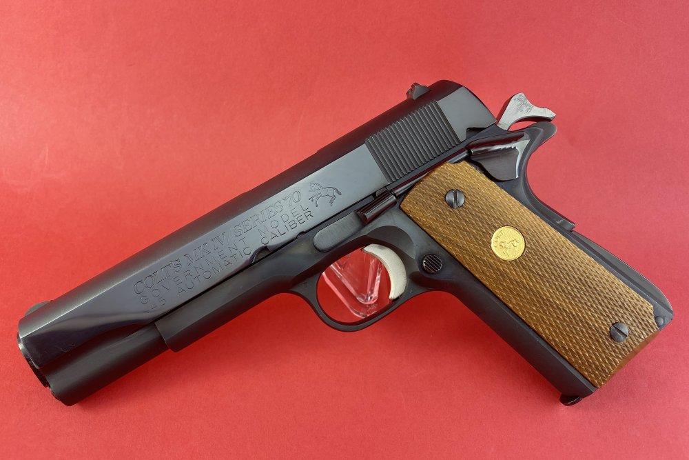 Colt 1911-2.jpg