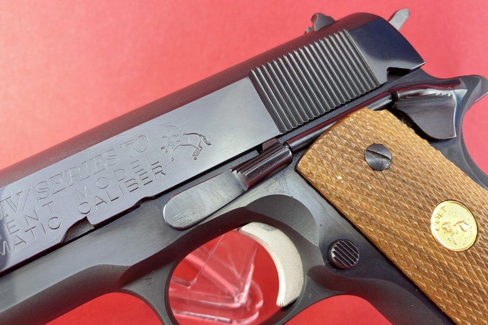 Colt1911-5.jpg