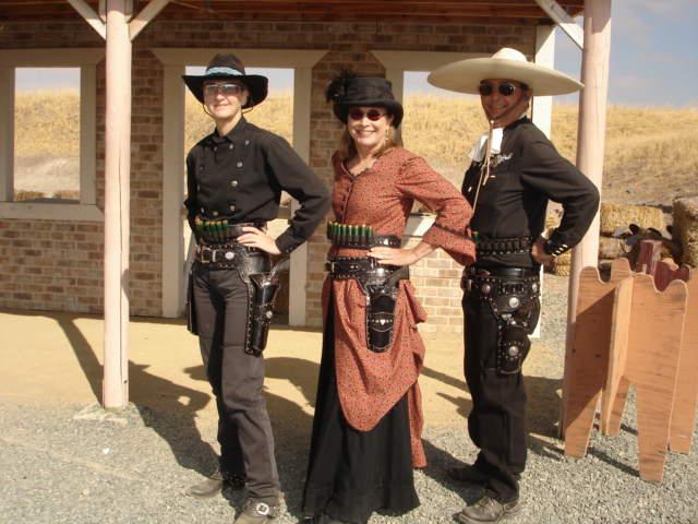 Anita Margarita, Allie Mo, El Suave Showing Off their AM Rigs 2.JPG