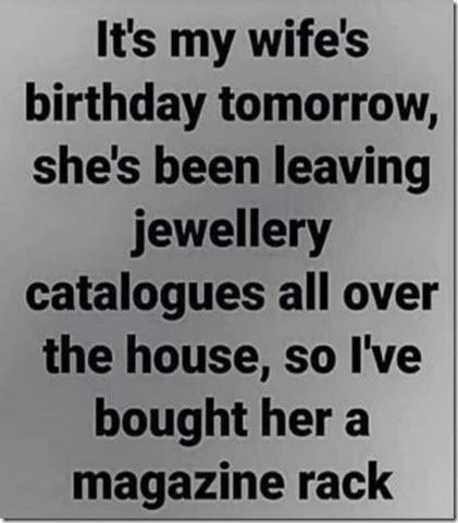 Jewellery maga rack  (13).jpg