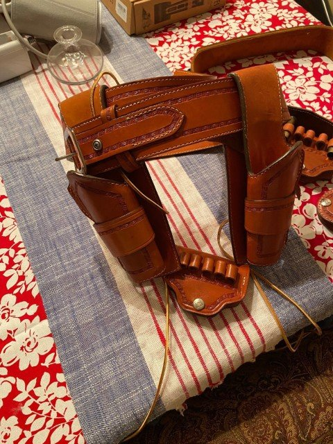 holsters1 (Small).jpg